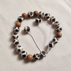 strength agate and sandalwood wrist mala