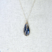Load image into Gallery viewer, gold wrapped labradorite necklace