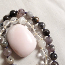 Load image into Gallery viewer, crystal quartz wrist mala