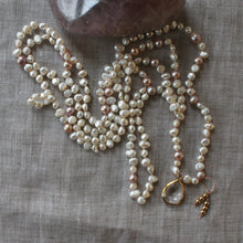 Load image into Gallery viewer, gentleness halo pearl layering necklace