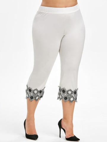 Image of Plus Size Lace Applique Capri