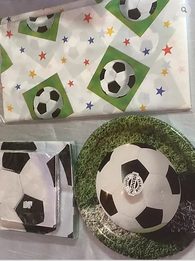 8 Piece Soccer Party Set
