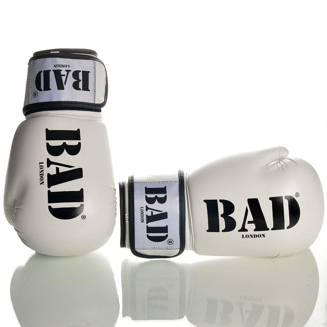 BAD BOXING GLOVES LONDON ATHLETES TRAINING AND PROFESSIONAL FIGHTS