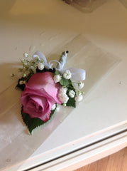 Boutonniere Roses