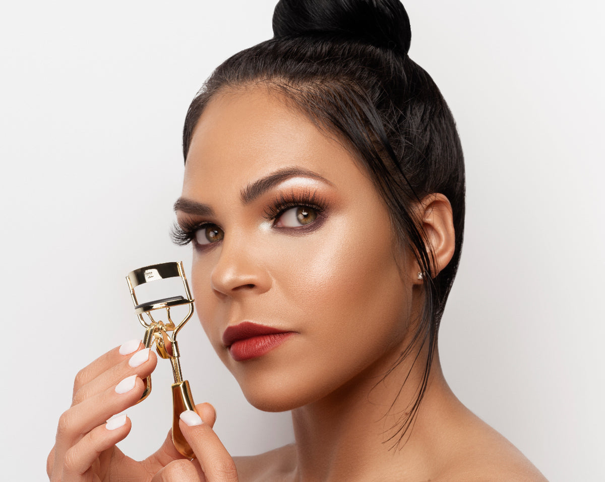 LUXURY EYELASH CURLER - Yilena Luxury Beauty
