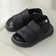 Load image into Gallery viewer, Black strap sandals