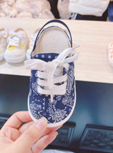 Load image into Gallery viewer, Navy blue paisley shoes