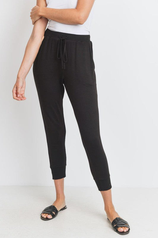 Black Solid Knit  Cropped Lightweight Pocket Joggers