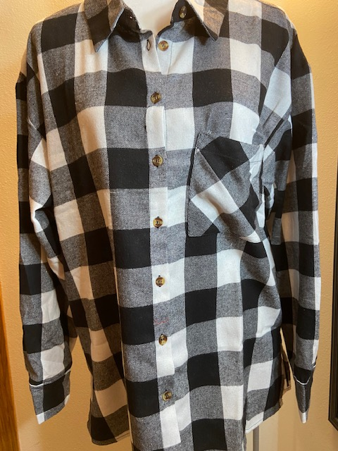 Black/White Plaid Long Sleeve Button Up Flannel Pocket Shirt     Slit on side Bottom Hem