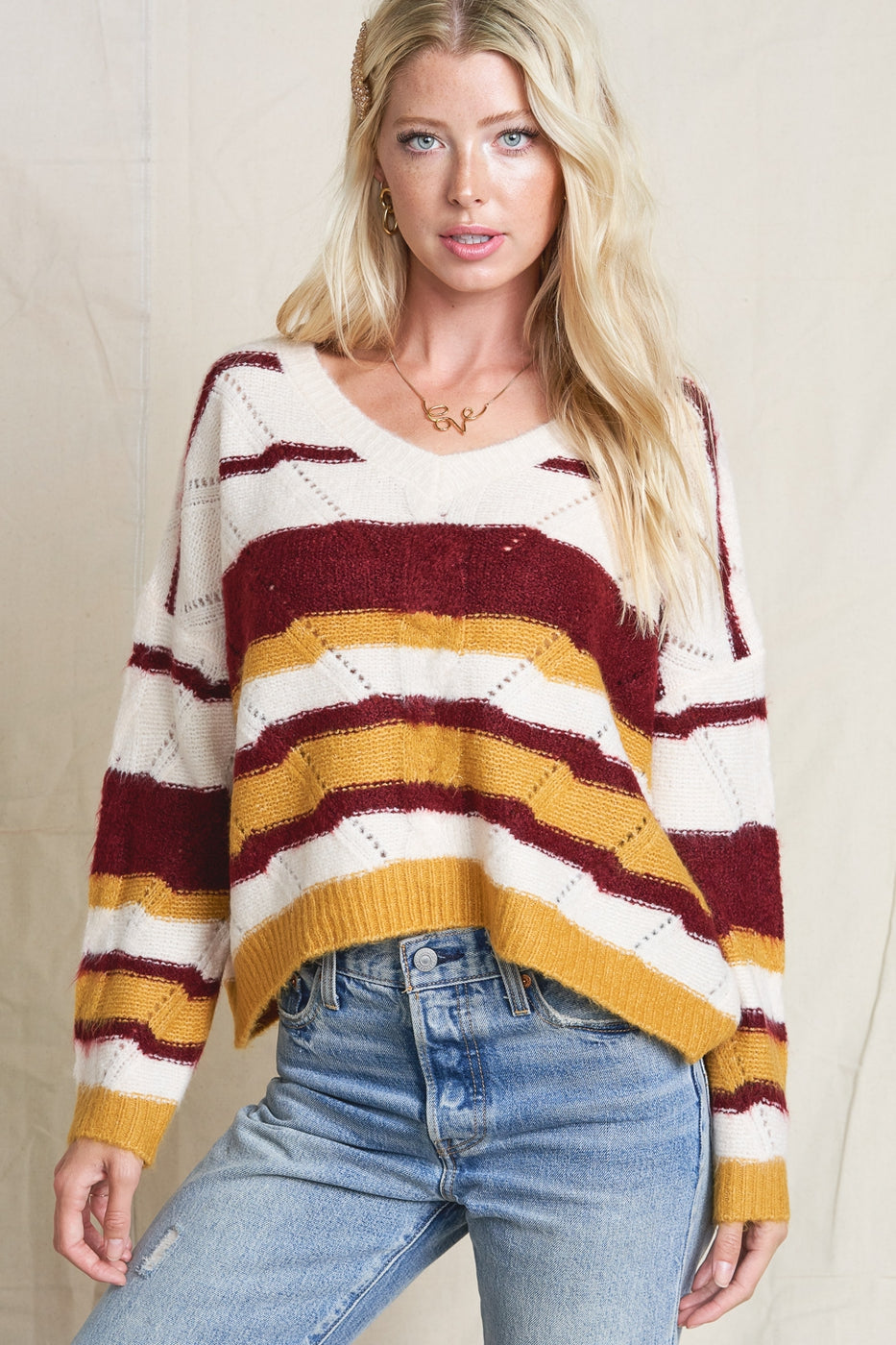 V neck finely knit stripe top slouchy, oversized silhouette  -  Crop Top