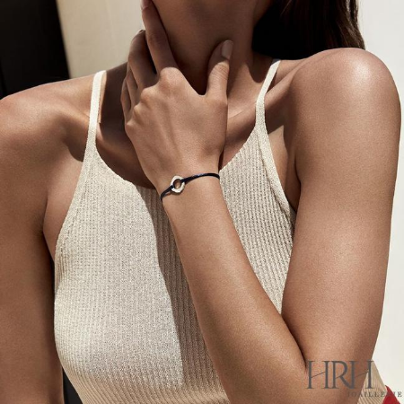The New Bracelet Trend You Need To Know: Wear-Anywhere Minimalism