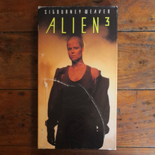 Load image into Gallery viewer, Alien³ (1992) VHS