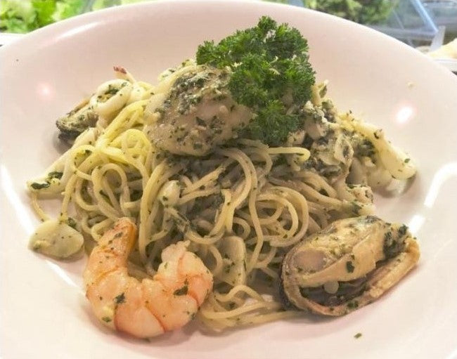 Spaghetti Prawns & Scallops in Pesto Sauce