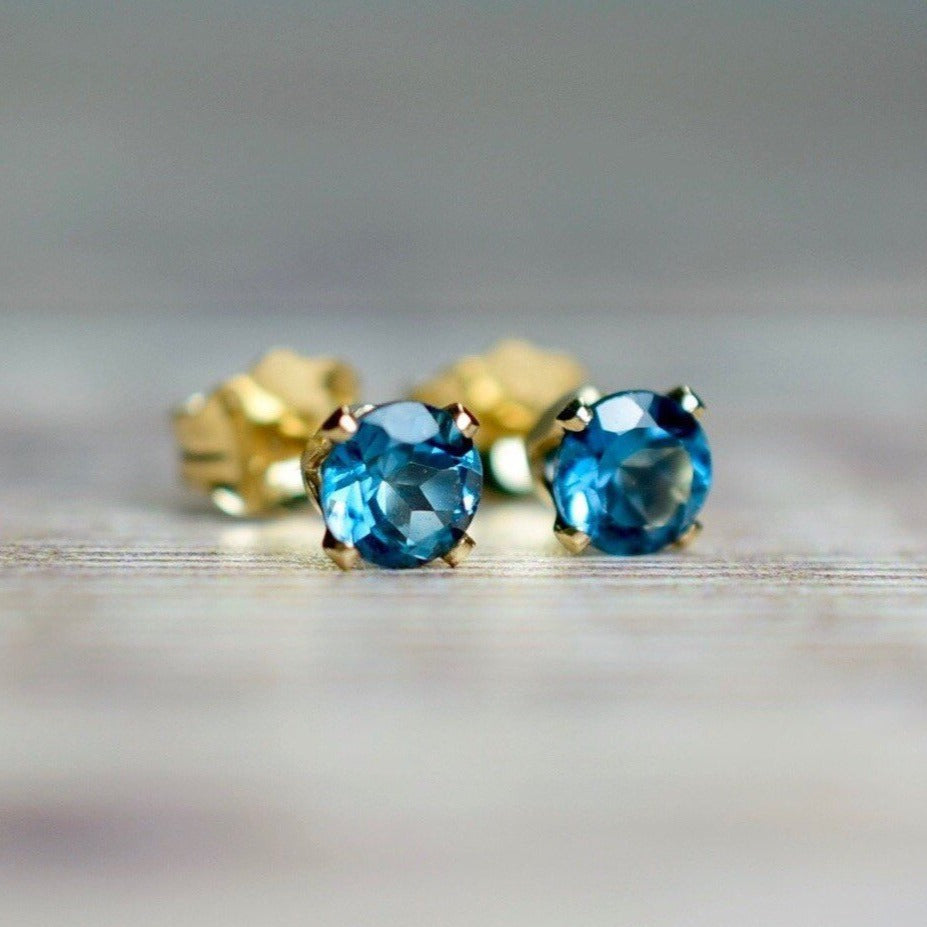 London Blue Topaz Stud Earrings 4mm