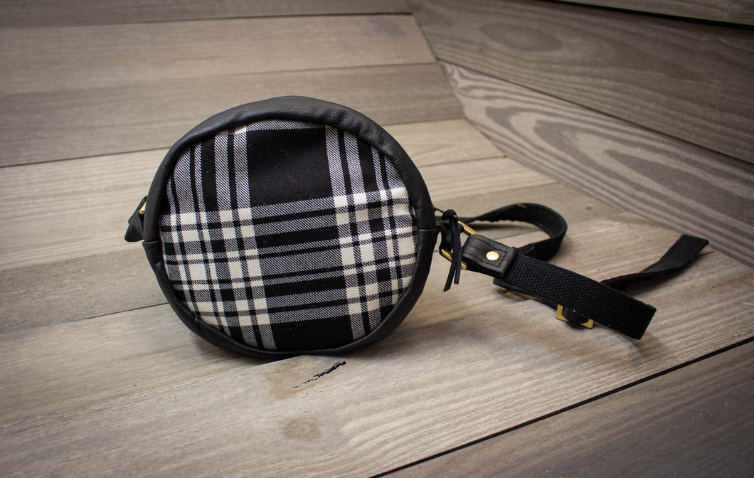 Leather & Tartan Halo Purse- Black/White Menzies