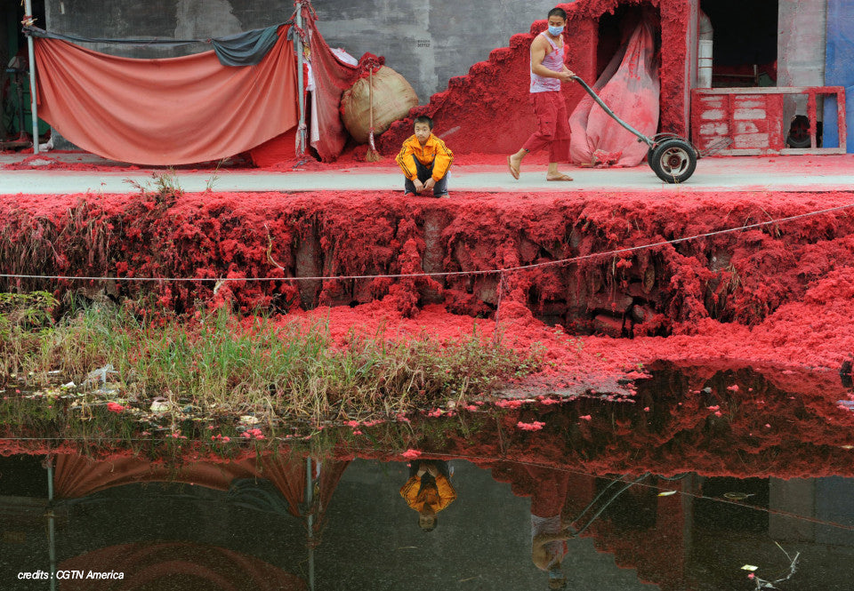 Pollution fleuve rouge chine par teintureries textiles