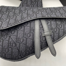 Load image into Gallery viewer, Dior Black Saddle Bag