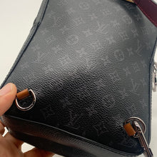 Load image into Gallery viewer, Louis Vuitton Black Sling bag