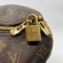 Load image into Gallery viewer, Louis Vuitton Speedy 35 Bag