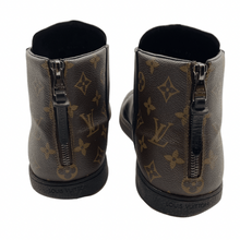 Load image into Gallery viewer, Louis Vuitton Black Leather Zip Monogram Sneaker