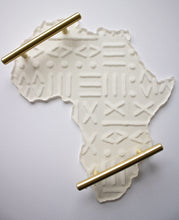 Load image into Gallery viewer, Mud Cloth Engraved Africa Tray Mold
