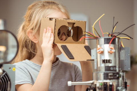 Support child's creative thinking development through making and play