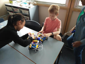 thinklum young students are building their first robots
