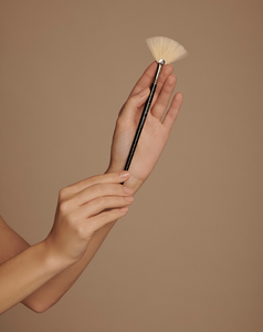 Merme Berlin Mask Brush
