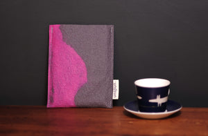 grey and magenta pink - Kindle Paperwhite