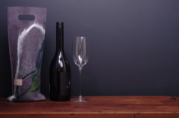free flowing ocean greens with silk - wine wallet