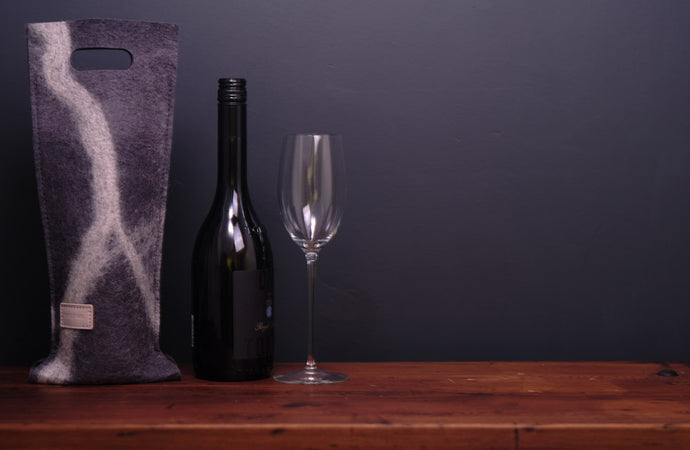 free flowing white Cheviot - wine wallet