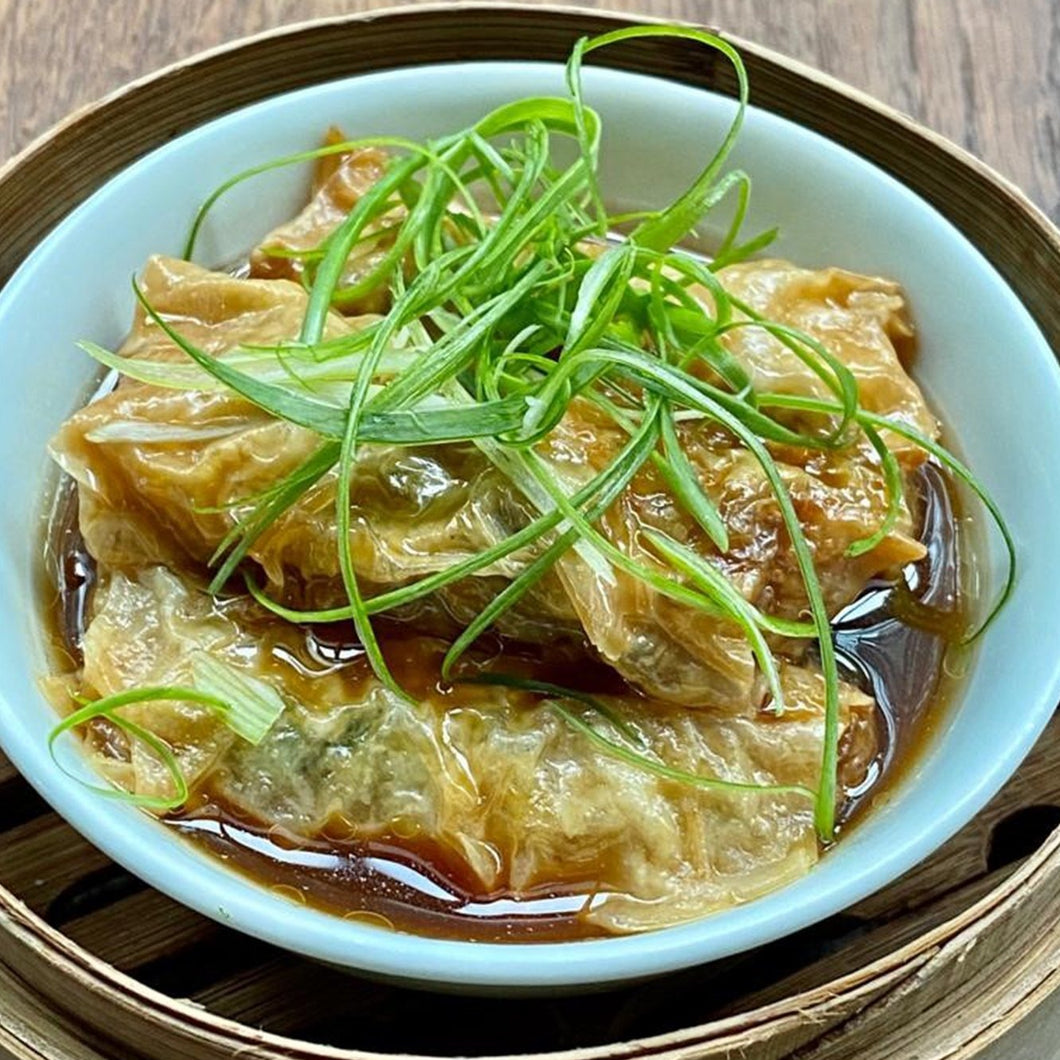 Beancurd Roll Filled With Prawn, Minced Pork, Black Fungus And Vegetables In Abalone Sauce (4 件/pcs)