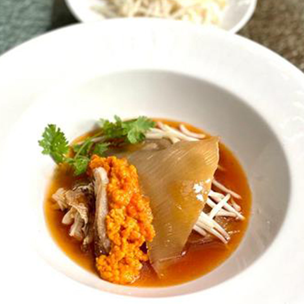 Braised Superior Shark's Fin With Crabmeat And Crab Roe