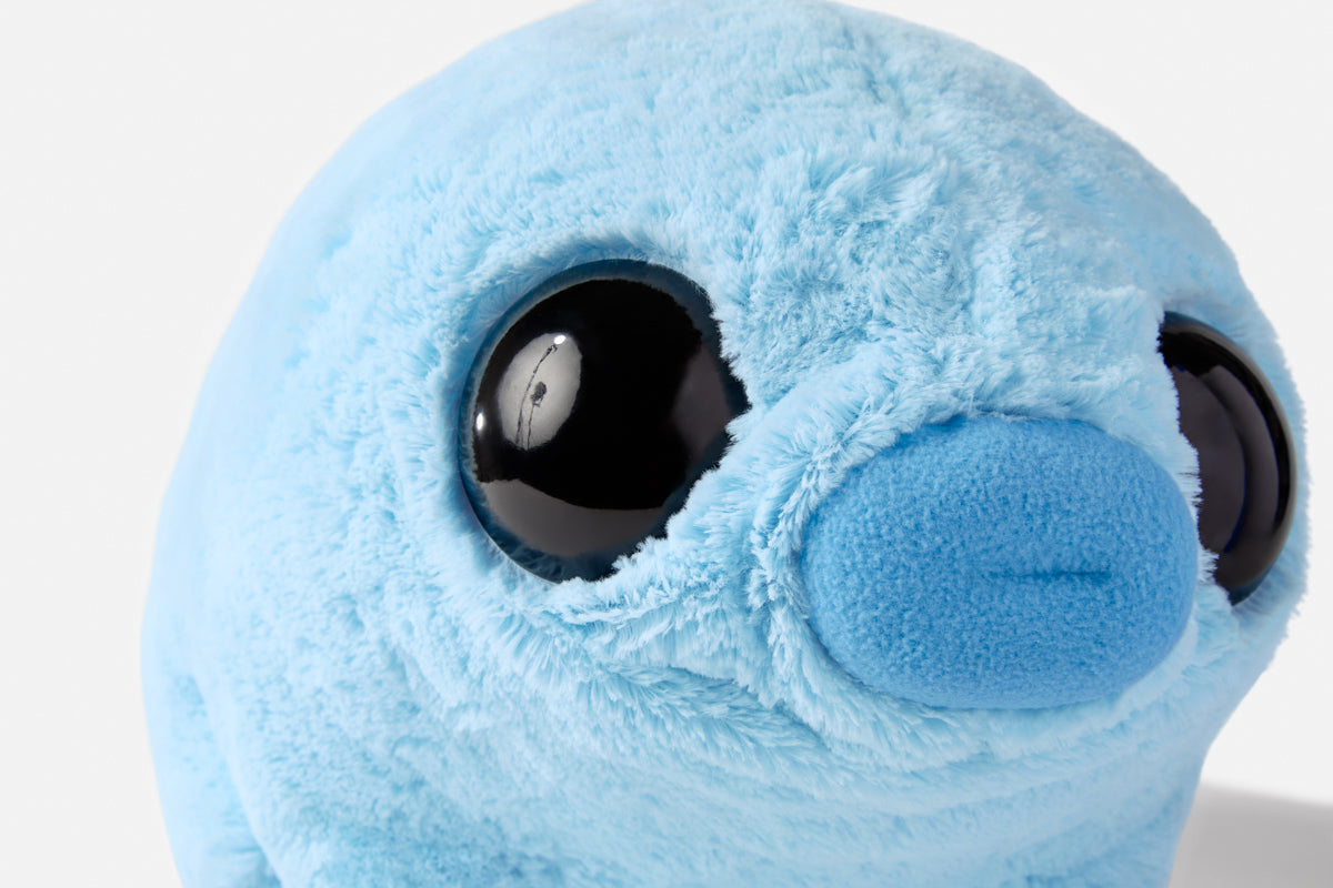 Water bear plushie - close up on the face