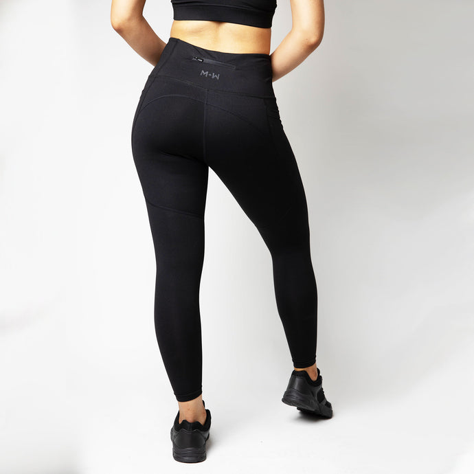 Basic Elevated Petite Leggings in Black