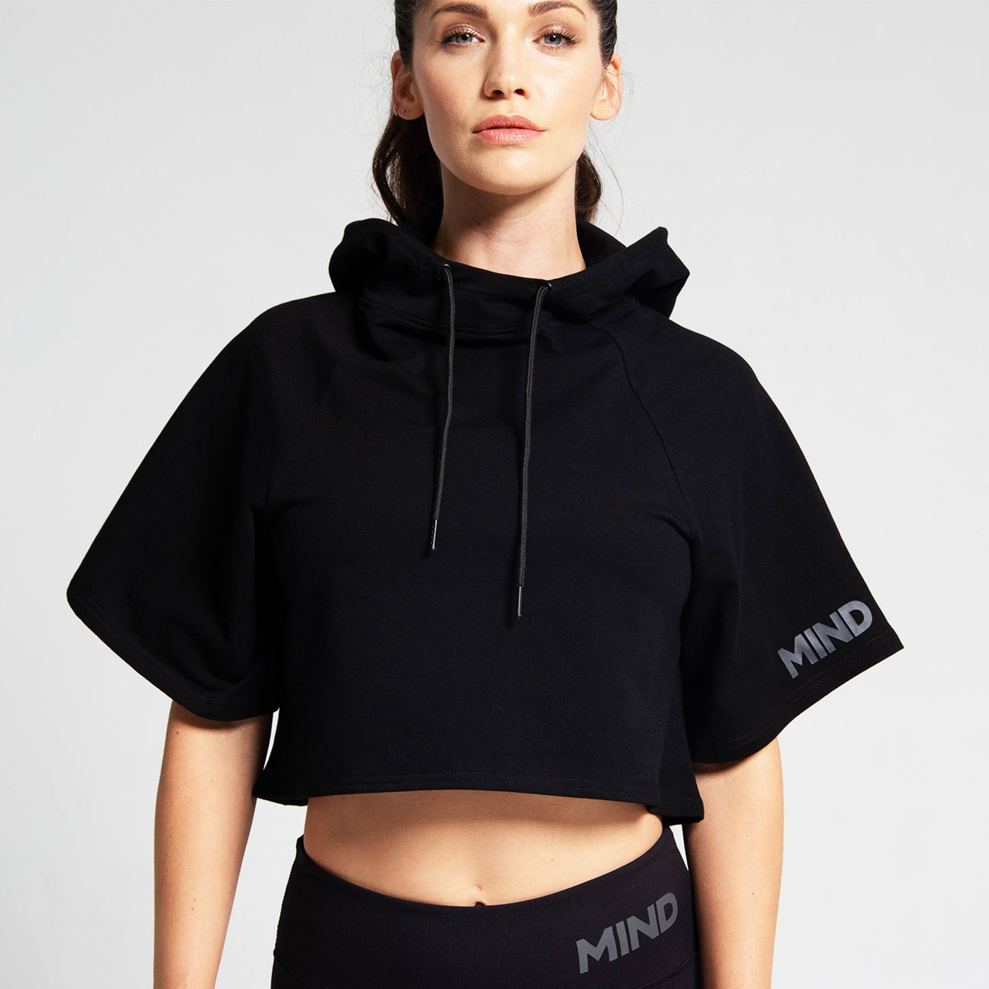 Freeflow Cropped Hoodie in Black