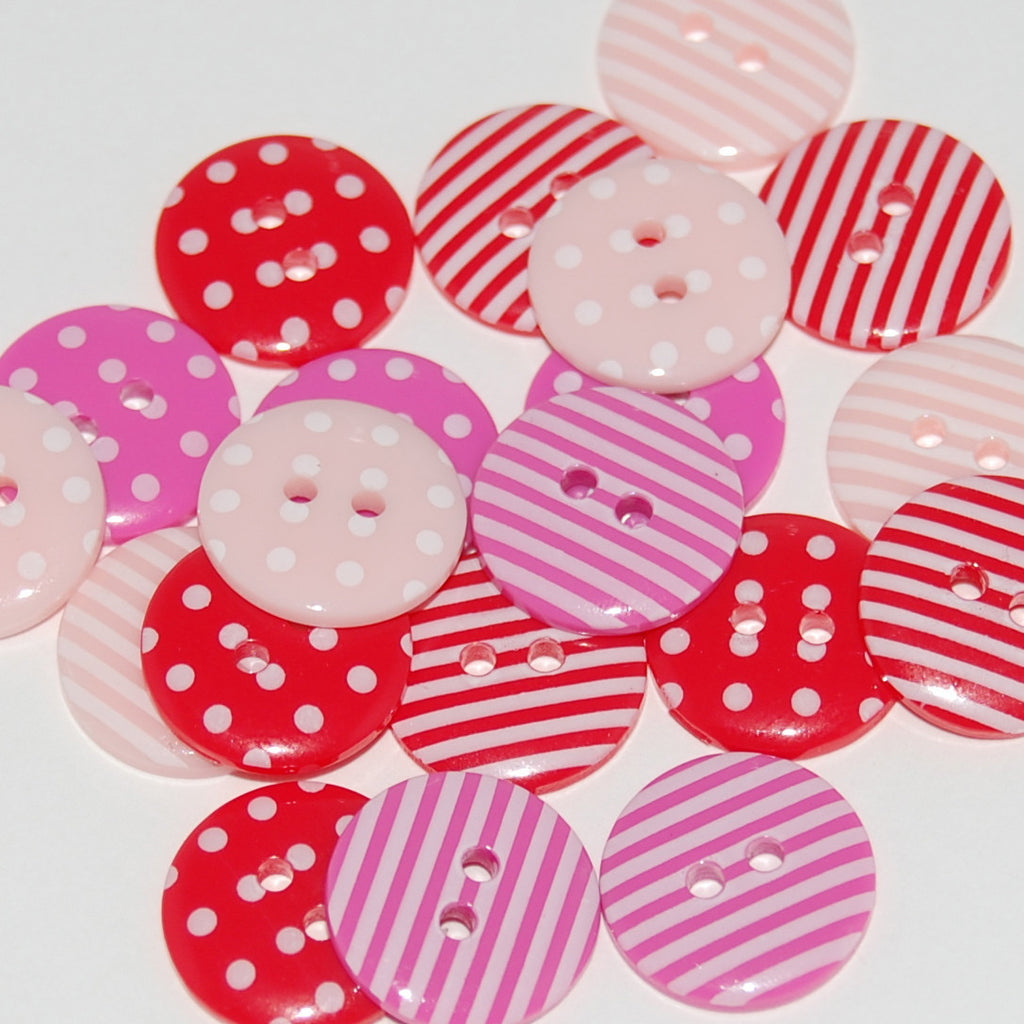 20 Valentine Mix Buttons 15mm
