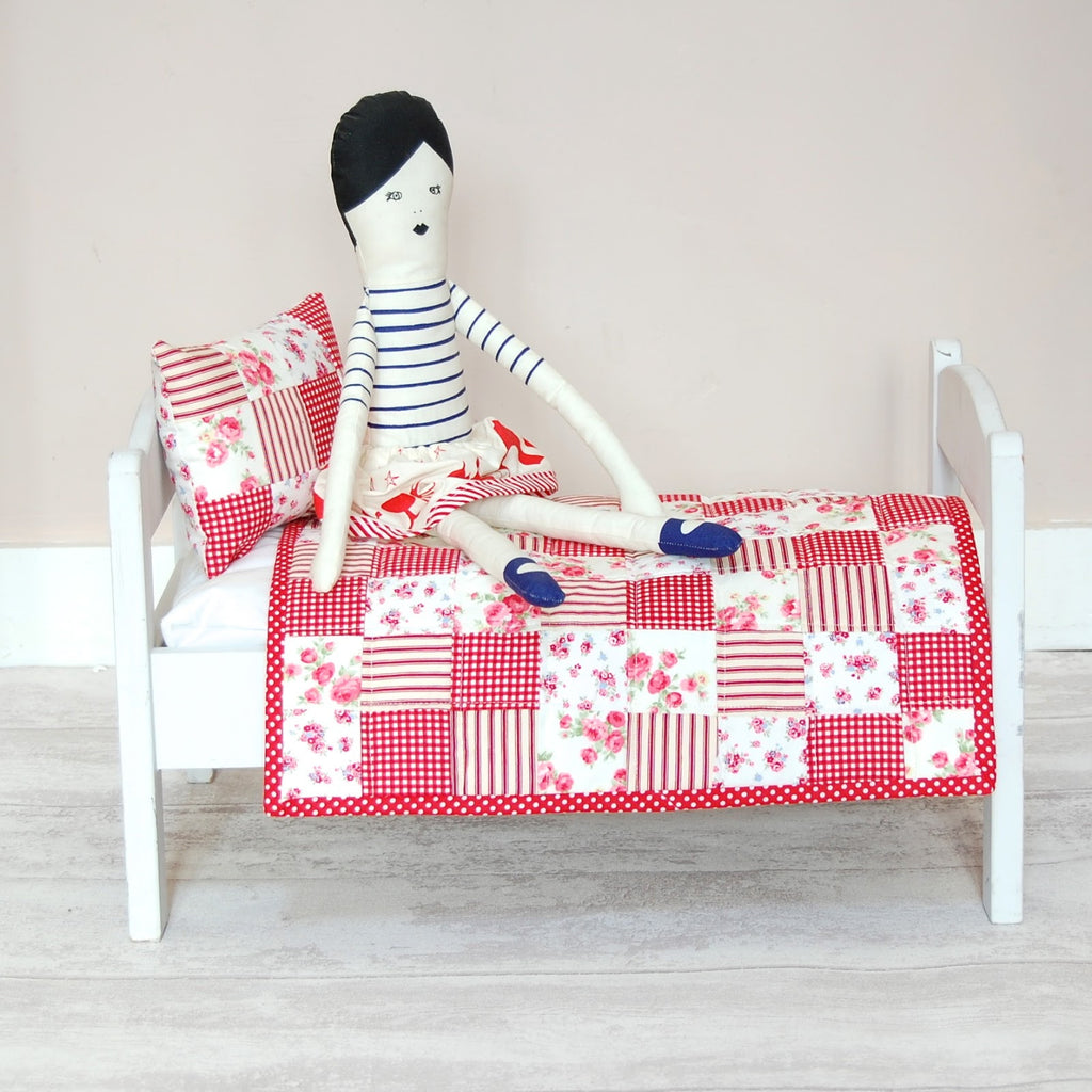 Red postage stamp doll quilt set