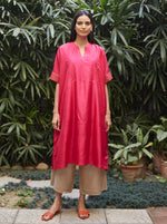 Load image into Gallery viewer, Fuchsia Flowy Silk Kurta Set