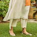 Load image into Gallery viewer, Ivory and Saffron Tagai Work Kurta