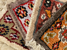 Load image into Gallery viewer, Vintage Rug Coaster Set 4