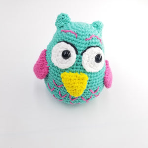 Owl knitted toy