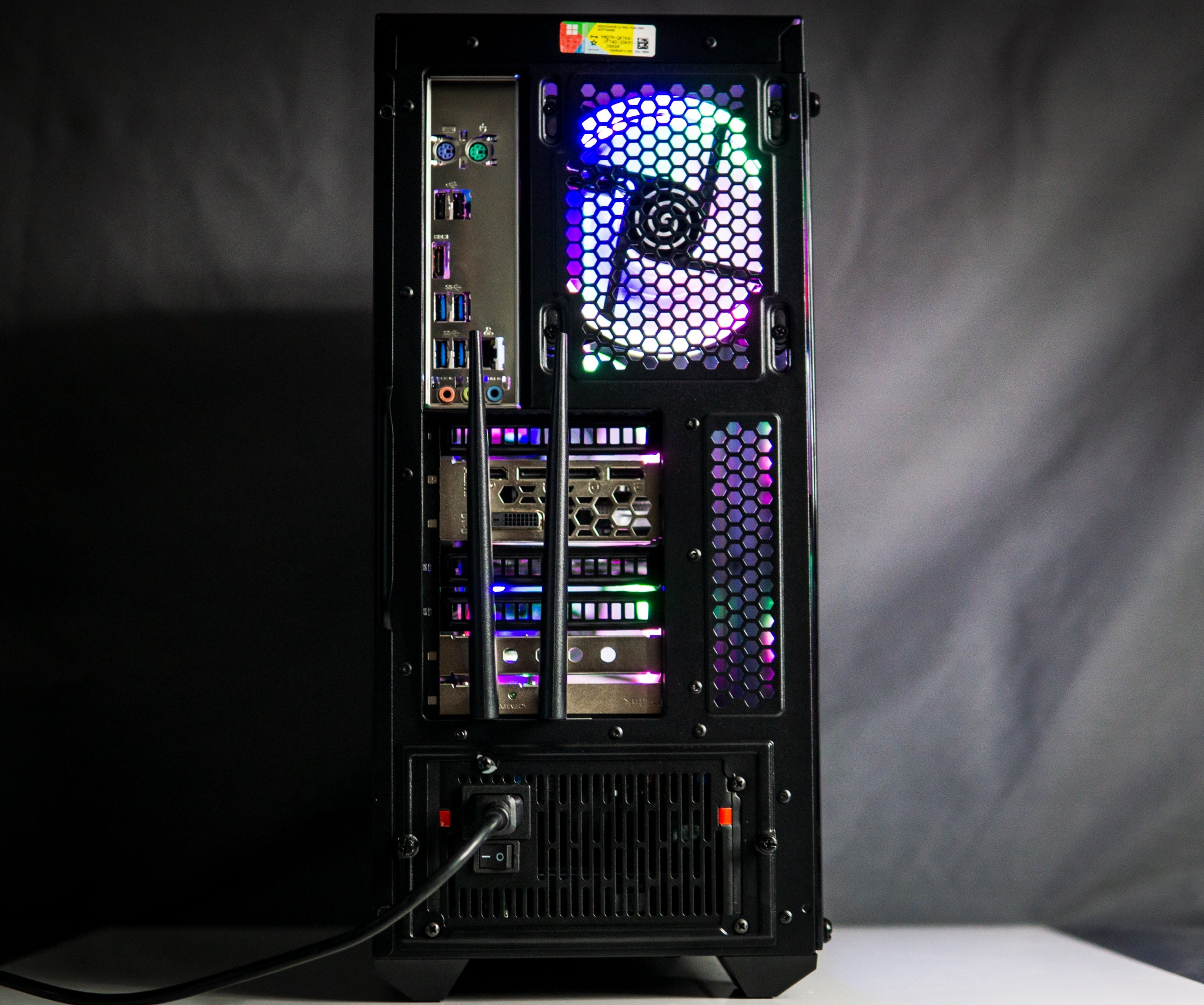 Custom VR Gaming PC Radeon AMD RX 570, 8GB RAM 256GB NVMe SSD RGB 1080P