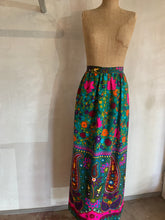 Load image into Gallery viewer, Vintage 1970's Barkcloth skirt