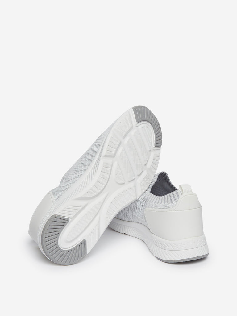 SOLEPLAY White Slip-On Sneakers