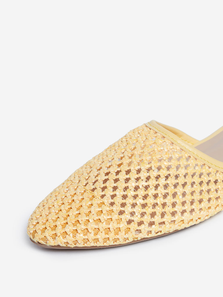 LUNA BLU Yellow Crochet Pattern Mules