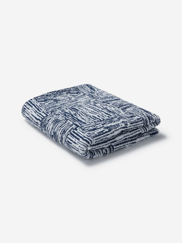 Westside Home Navy Checkered Bath Towel