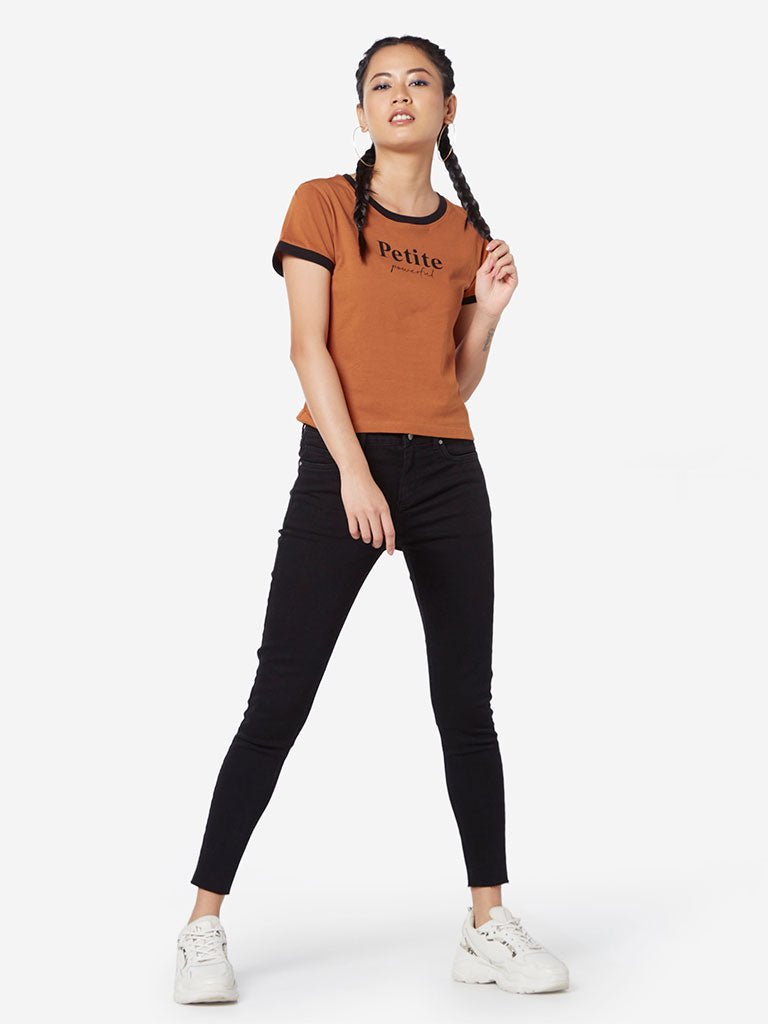 Nuon Tan Text Print Crewneck T-Shirt
