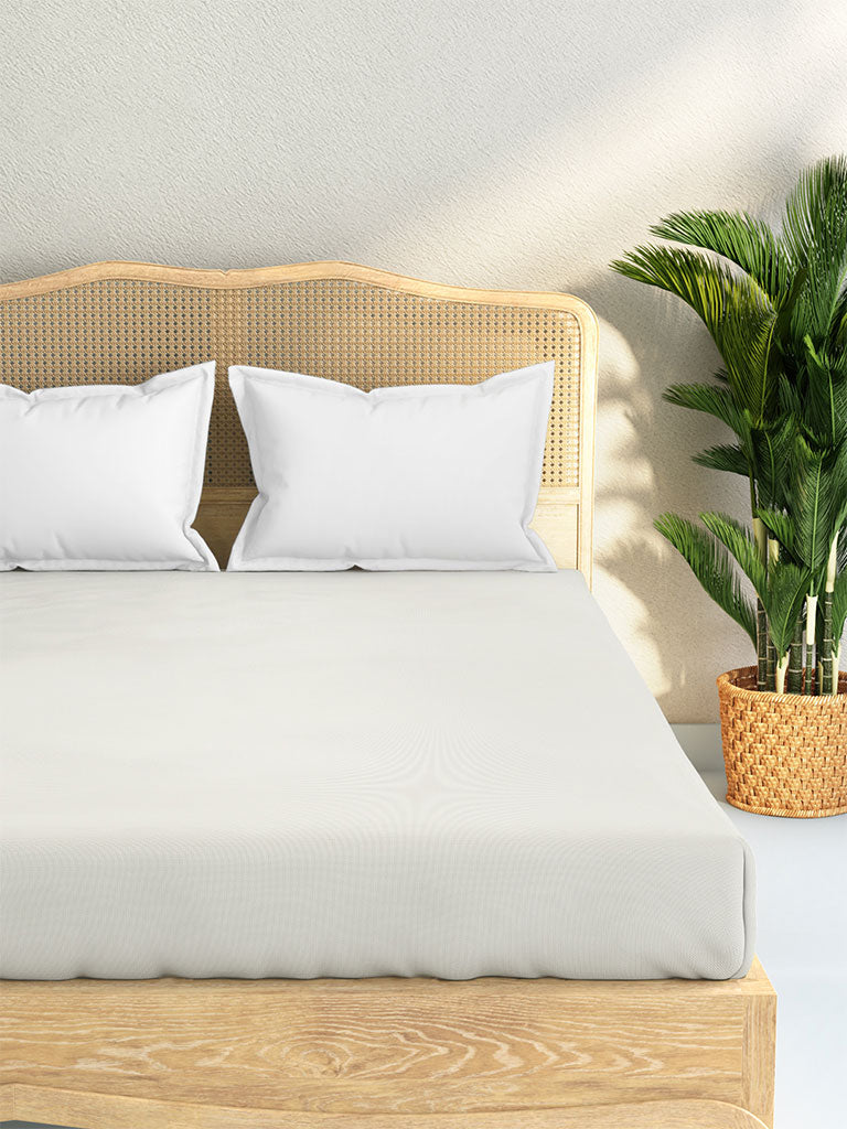 Westside Home White 144 TC Double Fitted Bedsheet