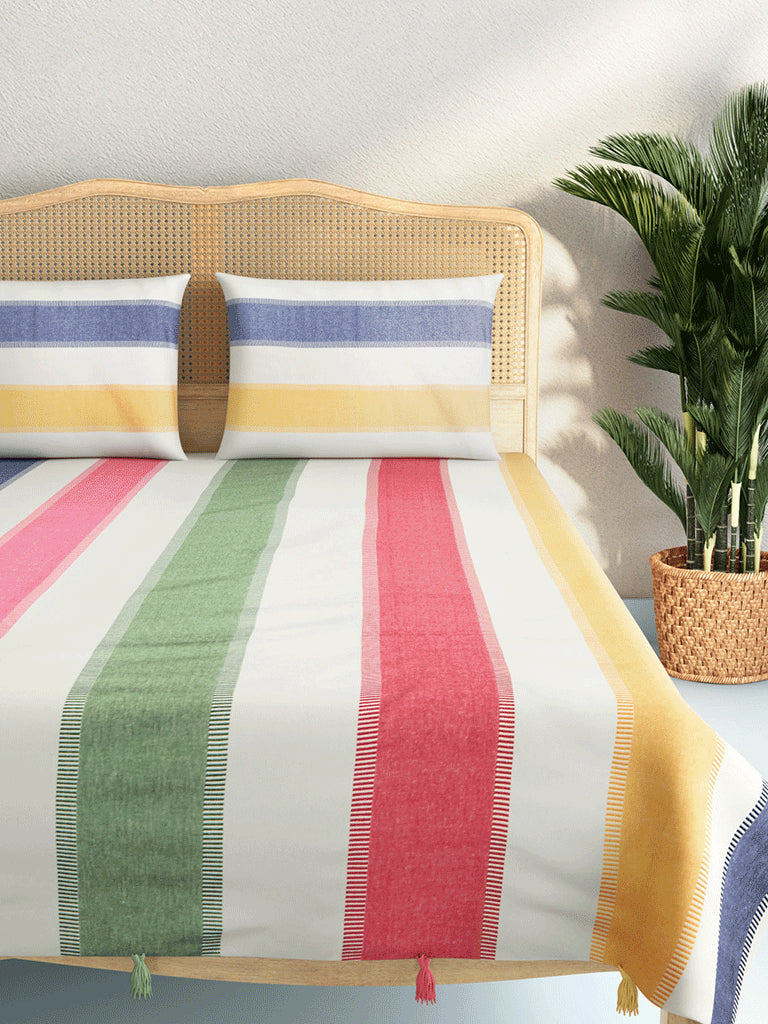 Westside Home Green Woven Double Bedcover with Two Pillowcases
